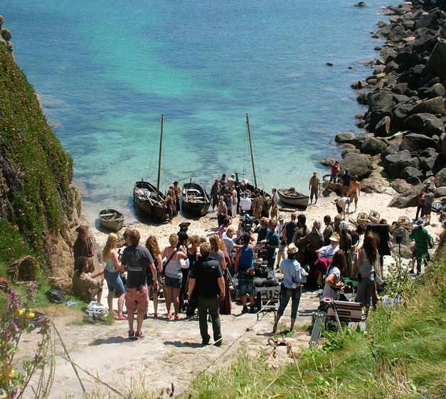 Cast of Poldark filming in Cornwall